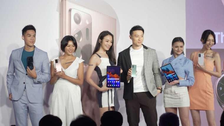 完整的 Samsung 生態圈,無縫串聯的強大實力,幫助使用者駕馭瞬息萬變的世界。