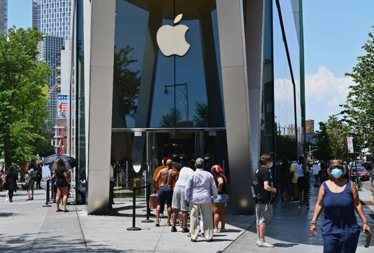 蘋果將於 10 月份推四款新 iPhone (圖片:AFP)