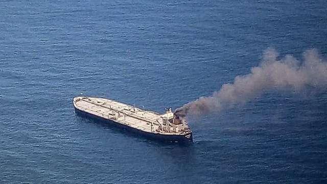 印度油輪在斯里蘭卡海域起火 載有200萬桶原油(圖:AFP)