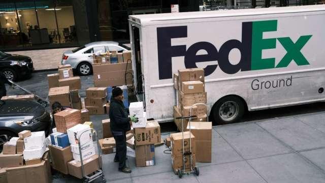 看好購物季需求 FedEx擬招募7萬生力軍 (圖:AFP)