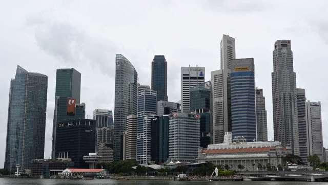 新加坡7月零售額月增27.4% 優於市場預期(圖片:AFP)