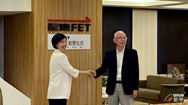 左為遠傳總經理井琪,右為亞太電總經理黃南仁。(鉅亨網記者沈筱禎攝)