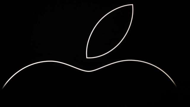 蘋果陷入修正區 市值一度跌破 2 兆美元。(圖片:AFP)
