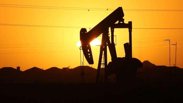 〈能源盤後〉WTI原油跌破40美元 本週跌逾7% 降至7月初以來最低(圖片:AFP)