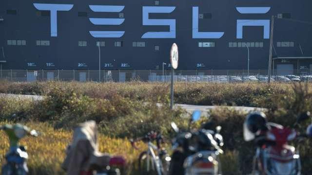 特斯拉上海二期主體建成 明年Q1可量產Model Y(圖片:AFP)
