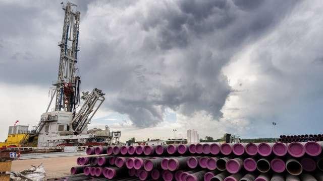 台塑化預估近期油價將保持區間盤整。(圖:AFP)