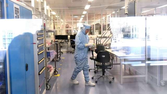 第三代半導體材料檢測需求強 閎康8月營收2.77億元 連四個月創高。(圖:AFP)