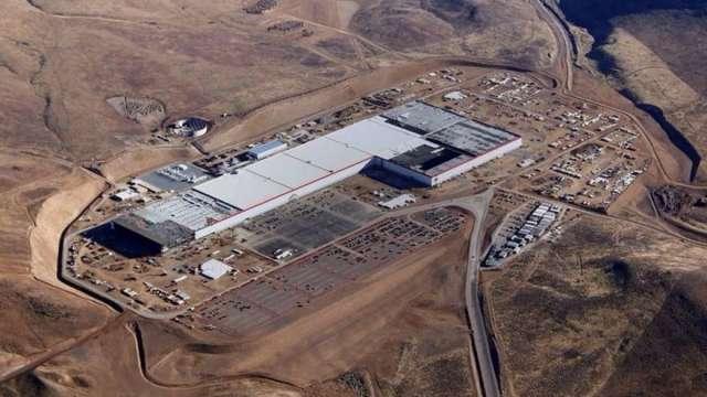 Panasonic將於特斯拉內華達超級工廠擴產 產能估增1成(圖:AFP)