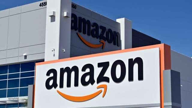 線上購物需求激增 亞馬遜計畫在美、加增聘10萬名員工(圖片:AFP)