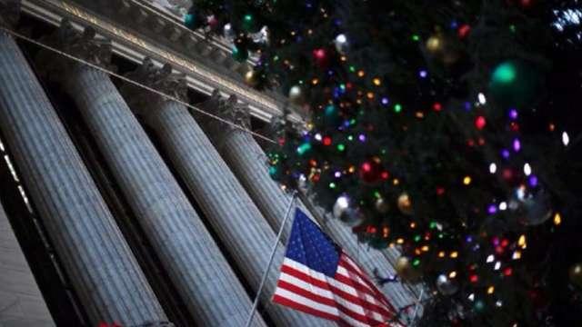 勤業眾信:透過線上消費 美國富人將帶動假期銷售 (圖:AFP)
