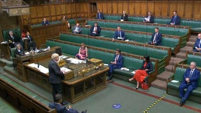 英國政府爭議法案在下議院闖過頭關 脫歐不確定性擴大(圖:AFP)