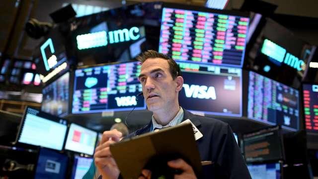 分析師:未來美股將有數波回檔潮 將呈現爬樓梯式走勢(圖片:AFP)