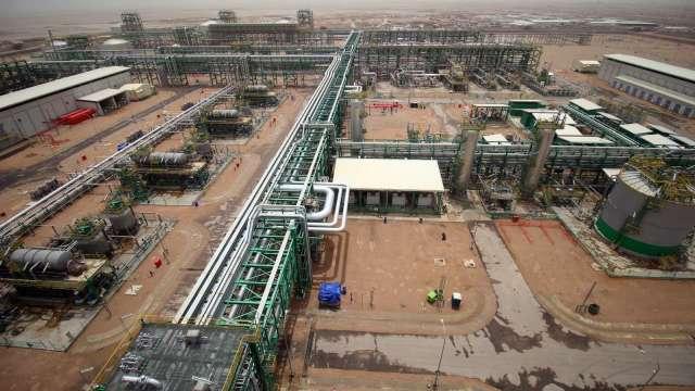 稱油市前景脆弱 IEA下修下半年需求預期至每日9170萬桶 (圖:AFP)