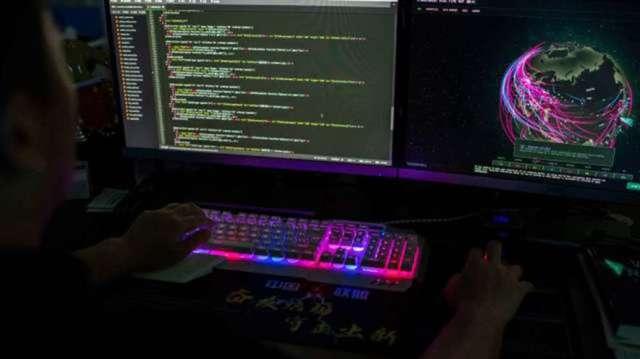 美司法部起訴5名中國駭客 疑為癱瘓中油支付系統元凶。(圖:AFP)