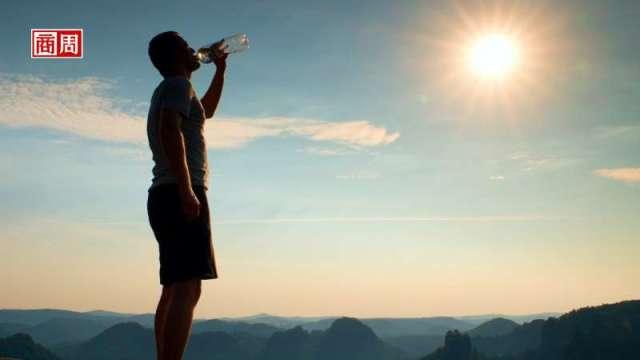 一瓶6元的水賣到上市 解密「水中茅台」農夫山泉。(來源:Dreamstime/商周提供)