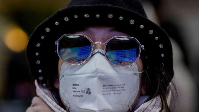 疫情未減!世衛:新冠肺炎每週仍奪走5萬人生命(圖片:AFP)