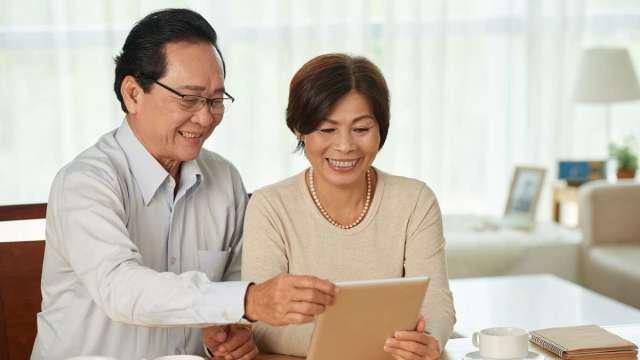 勞保年改暫緩 退休理財不能停 屆退族可善用利變增額壽險享樂退。(圖:元大人壽提供)