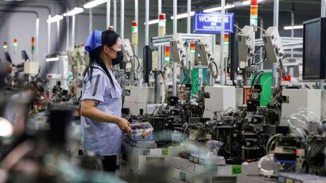 調查:勞資Q4景氣樂觀度上升 各產業求才內外皆溫。(圖:AFP)