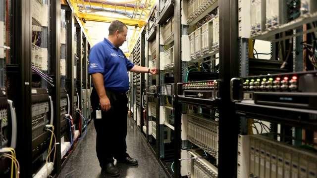 筆電、伺服器出貨優預期,凡甲9月營收估雙增。(示意圖:AFP)