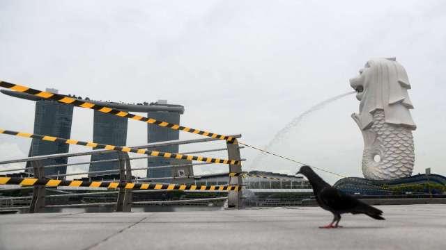 新加坡8月核心通膨略升至-0.3% 連續第7個月呈現萎縮(圖片:AFP)
