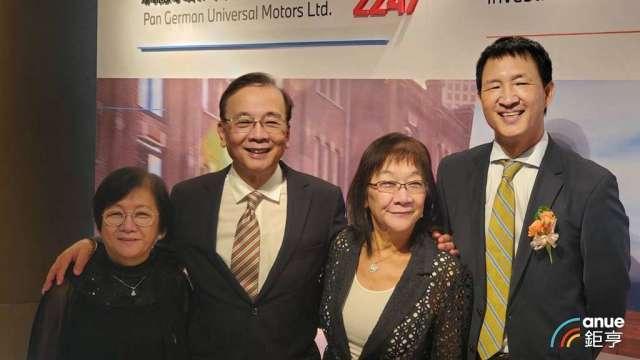 汎德永業集團經營團隊,左二為集團董事長唐榮椿。(鉅亨網資料照)