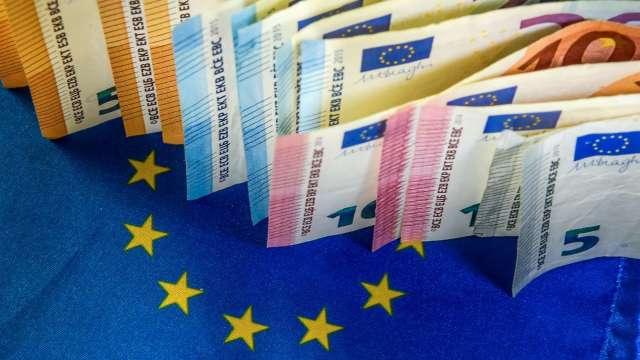 〈紐約匯市〉歐元區經濟停滯美元連四日走強 歐元跌至2個月低點(圖片:AFP)