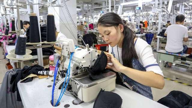 中國工業企業利潤連4個月成長 今年前8個月仍年減4.4%(圖:AFP)