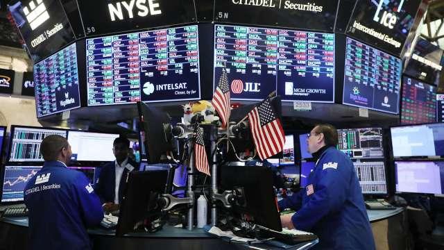 美科技股翻黑  美股基金單周遭提款逾250億美元。(圖:AFP)