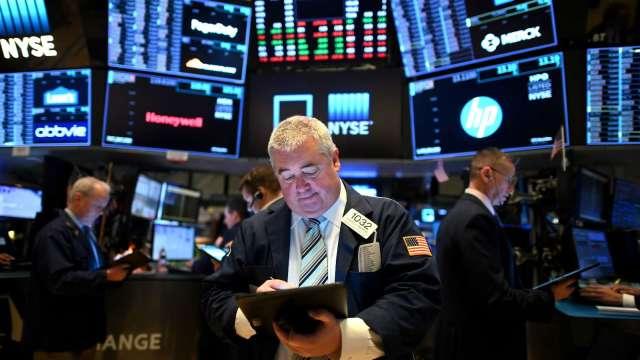 〈美股盤後〉川普拜登首場辯論將登場 三大指數齊跌 (圖片:AFP)