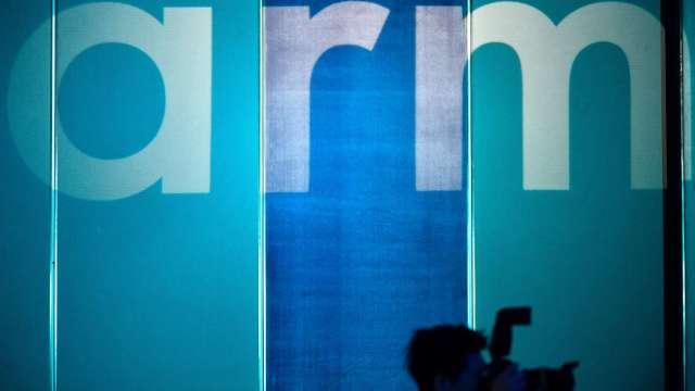 壓力鍋越來越大!英政府介入Nvidia 收購Arm案。(圖片:AFP)