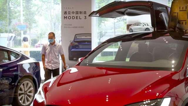 特斯拉無鈷電池版Model 3傳將亮相 售價低10% (圖:AFP)