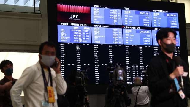 十年最大系統故障 日本東京證交所宣布全天暫停交易 (圖:AFP)