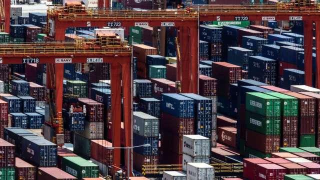 南韓9月份出口年增7.7% 7個月來首見反成長(圖片:AFP)