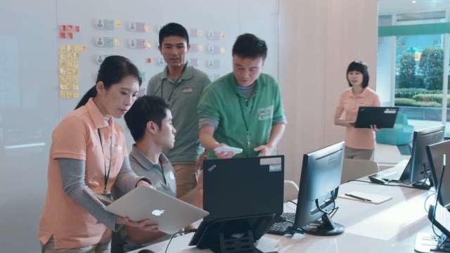 台灣金融業首家!玉山銀行自行開發設計的新核心系統正式上線,即時提供顧客創新的金融服務。(圖:玉山銀行提供)