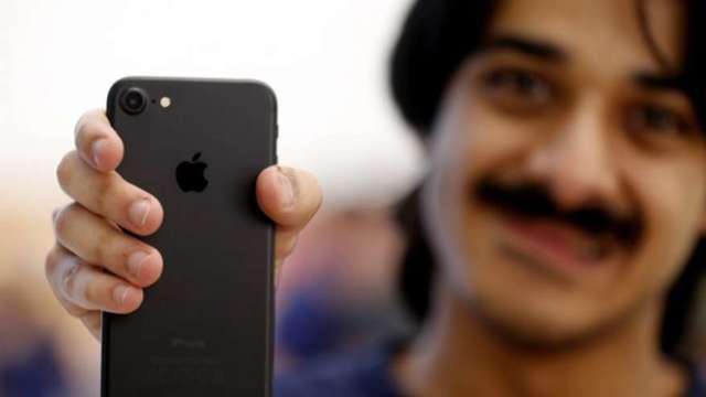 蘋果手機組裝廠正式獲准投資印度! 鴻海、緯創、和碩入列(圖:AFP)