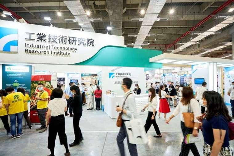 2020 年亞洲生技大展盛大開幕,工研院聚焦抗疫研發與精準醫療,展出 15 項創新研發亮點,為國內產業找出疫後新布局及新契機。