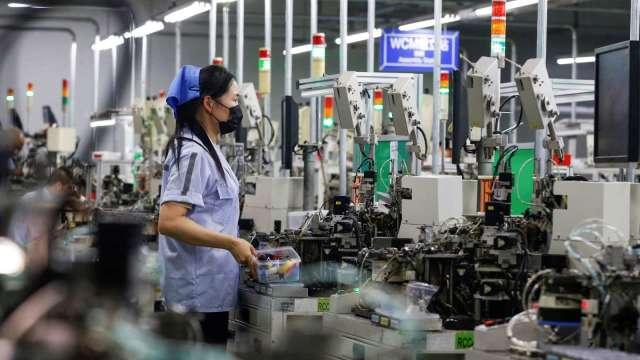 無薪假單周驟降5271人 製造業受惠拉貨潮睽違4個月首度跌破萬人。(圖:AFP)