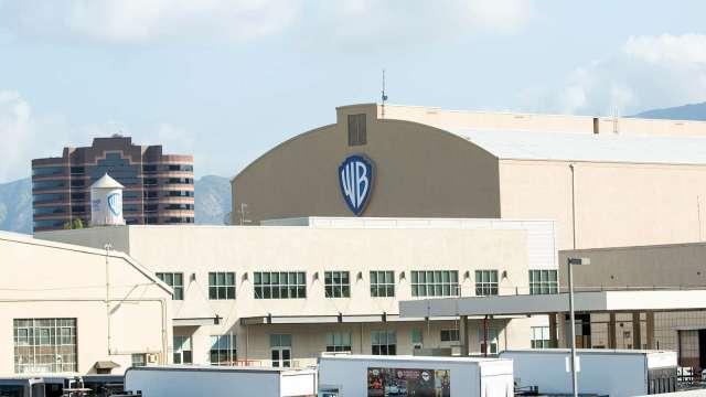 疫情衝擊影視娛樂 華納媒體擬裁員殃及HBO、華納兄弟 (圖:AFP)