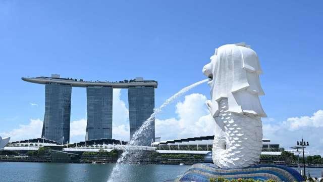 新加坡維持貨幣寬鬆不變符合市場預期 Q3 GDP報年減7% (圖片:AFP)