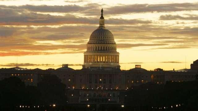 美國參議院:21日將表決5000億美元刺激法案(圖:AFP)