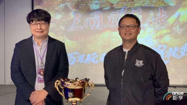 左至右分別為宇峻奧汀董事長劉信、遊戲新幹線副總經理張益民。(鉅亨網記者林薏茹攝)