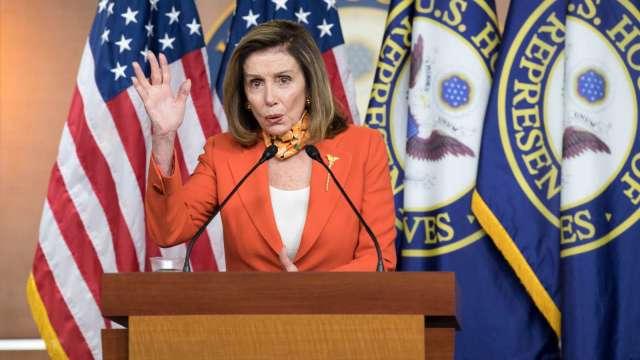 新刺激法案快達陣?佩洛西:談得差不多了 (圖片:AFP)