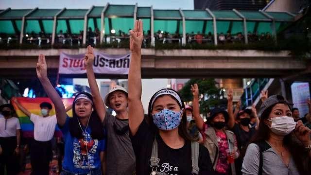 專家:泰國抗議局勢有可能轉壞 引發又一次軍事政變(圖:AFP)