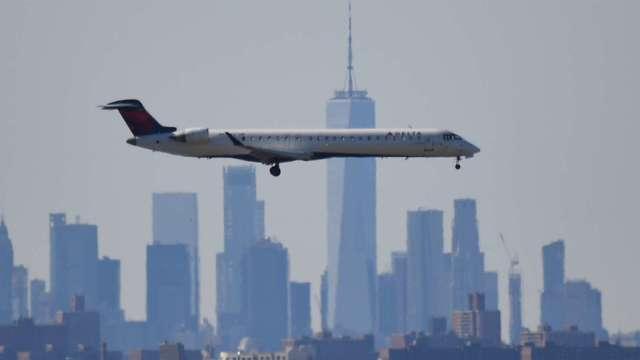 IATA下調2021年航空業收入預期 估將下跌46%(圖片:AFP)