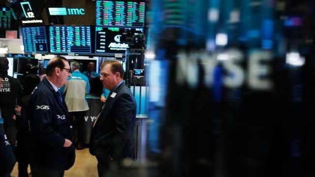 蘋果大中華銷售失利 晶片股回神大漲 費半收紅逾2.7% (圖片:AFP)