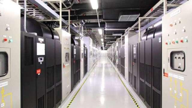 台積電智慧節能不斷電系統採用鋰鐵電池,年省1710萬度電。(圖:取材自台積電官網)