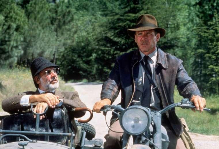 聖戰奇兵中的史恩康納萊 (左)