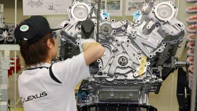 日本10月製造業PMI報48.7 出口訂單出現2年來首度增長 (圖片:AFP)