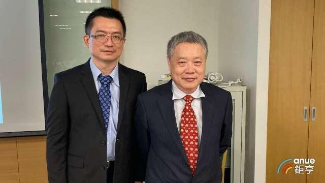 正基董事長陳明哲(右)及總經理游俊賢。(鉅亨網記者彭昱文攝)