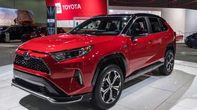 豐田下半年全球生產可能創下新高 RAV4加班生產 (圖片:AFP)